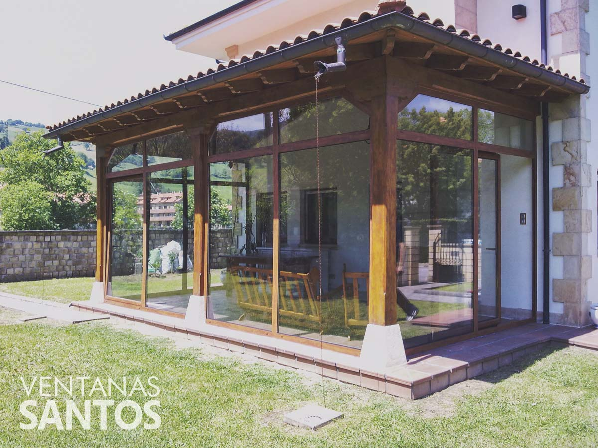 Cerramiento de porche ventanas santos for Porche de jardin